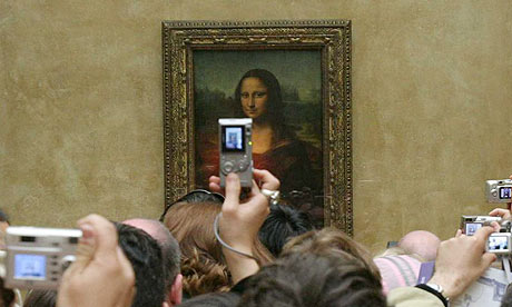 A view of the Mona Lisa, by Lydie France/EPA, from theguardian.com.
